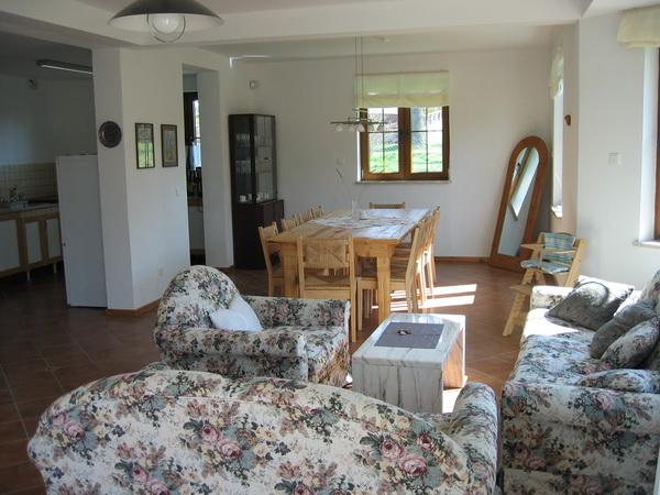 ... Haus In Polen In Debina, Wohnzimmer Mit Esszimmer